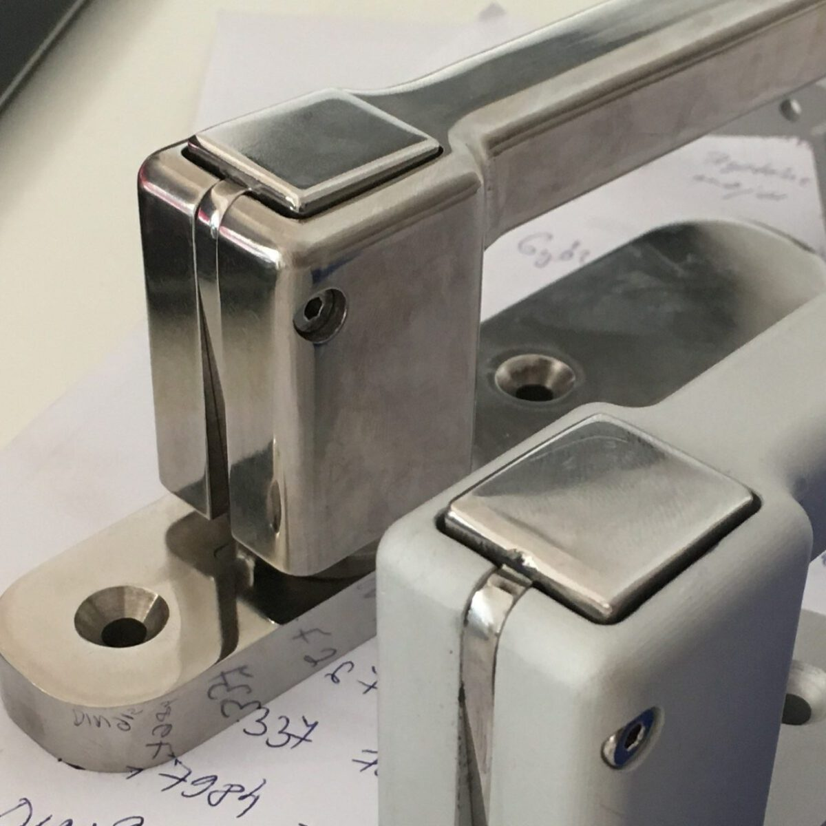 Custom handles